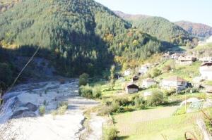 Покарй Крушкова махала тече оловна река